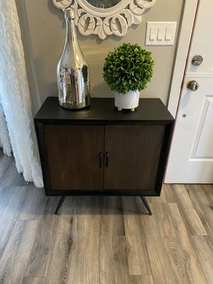 "Accent table 14"" x 30"" x 31""H for Sale in Vancouver, WA"