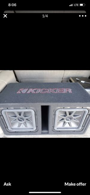 Kicker L7 R subwoofer 600 each rms and Amplifier kicker 1200 what rms for Sale in Phoenix, AZ