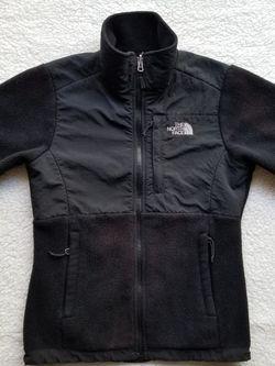 The North Face Women's Denali Jacket for Sale in Stockton,  CA