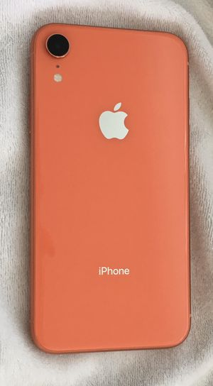 iPhone XR 64gb coral for Sale in Toms River, NJ