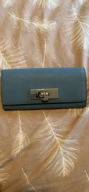 Michael Kors leather Wallet for Sale in Tallahassee, FL