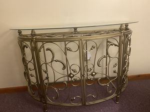 Console table/wine rack and 2 end table for Sale in Pawtucket, RI