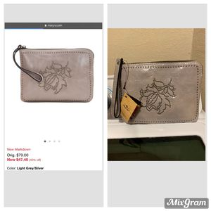 $25 new leather wristlet for Sale in Fort Worth, TX