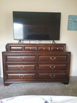 Dresser for Sale in Lawrenceville, GA