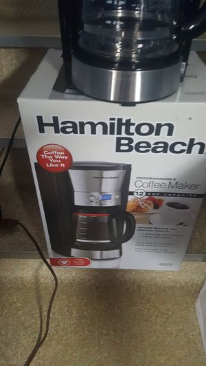 Hamilton beach model 46895 programmable coffee maker 12 cup for Sale in Cleveland, OH