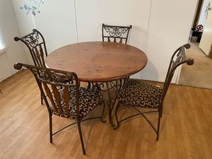 Kitchen table and 4 chairs for Sale in Denton, TX