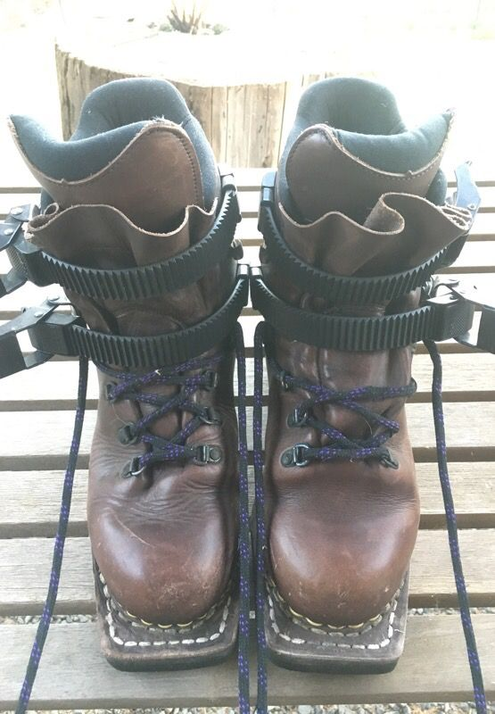 Cross country 3-pin ski boots size 7