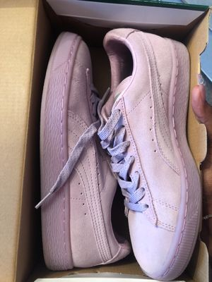 Woman's pumas for Sale in Nashville, TN