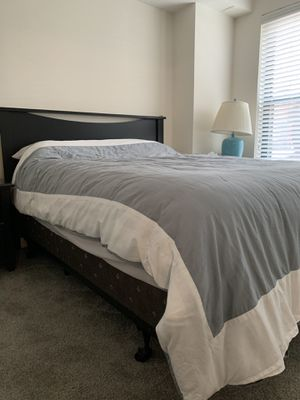 Queen size Bed with mattress and frame for Sale in Washington, DC