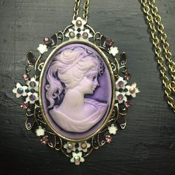 Vintage Betsy Johnson Cameo Necklace for Sale in Denver,  CO