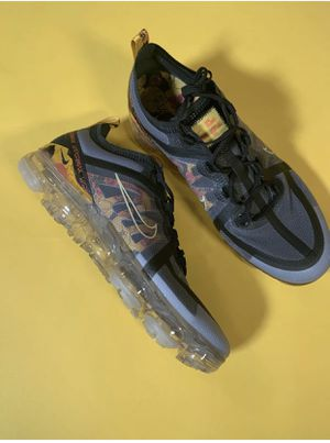 Nike Air Vapormax 2019 Se Womens Size 7.5 10 for Sale in Wayne, IL