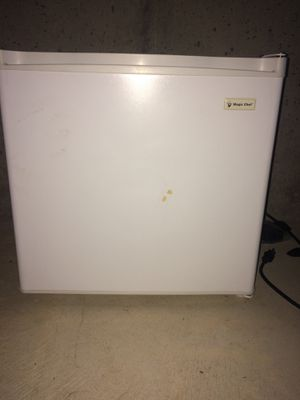 Magic chef mini fridge/freezer for Sale in Andover, KS