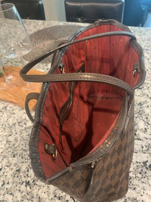 Clean, well kept...Authentic Louis Vuitton never full PM tote bag for Sale in Westford, MA