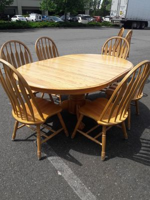 KITCHEN/DINING TABLE * OAK * 1 LEAF * 6 CHAIRS * 6 CUSHIONS for Sale in Tacoma, WA