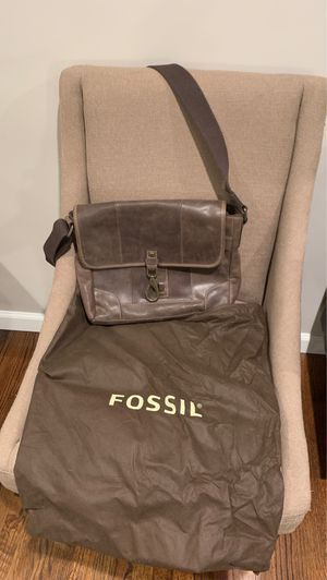 Leather Messenger Bag (Fossil) for Sale in Claremont, CA