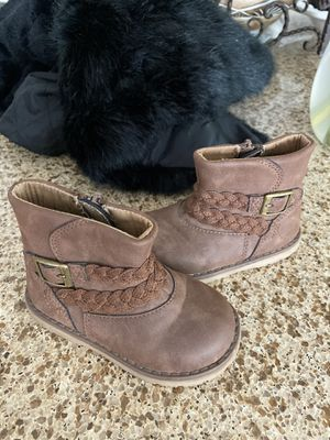 Girls boots size 6 for Sale in Irvine, CA