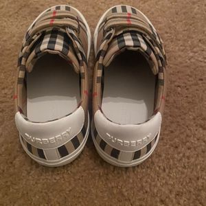 Burberry shoes for Sale in Las Vegas, NV