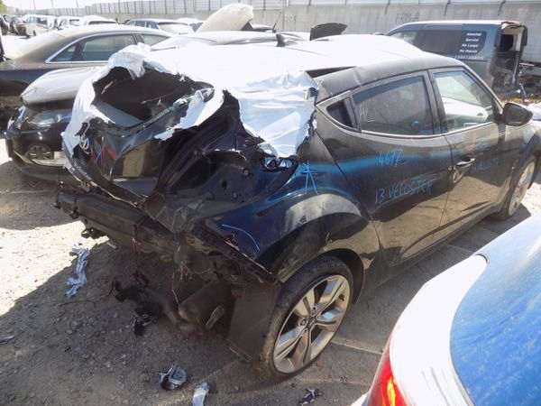 2013 Hyundai Veloster 1.6L (PARTING OUT)