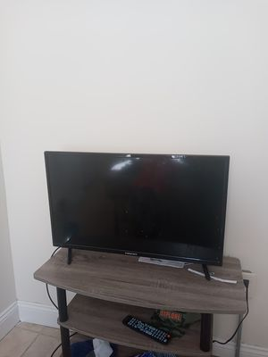 32 inch element tv for Sale in Harrisburg, PA