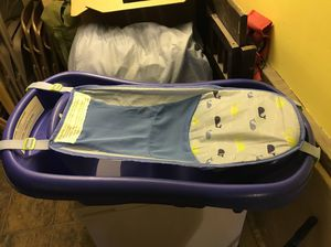 Infant bath tub with removable sling for Sale in Seattle, WA