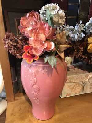 Vases with floral arrangements for Sale in Herndon, VA