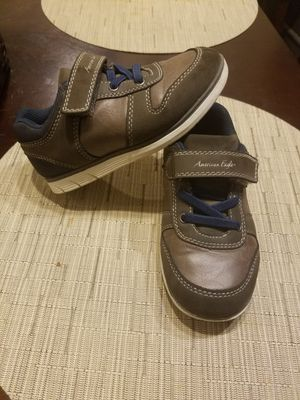American eagle toddler shoes size 10 for Sale in Imperial Beach, CA