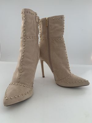 Boots beige size 10 for Sale in Orlando, FL