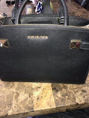 Michael Kors women bag for Sale in Leesburg, VA