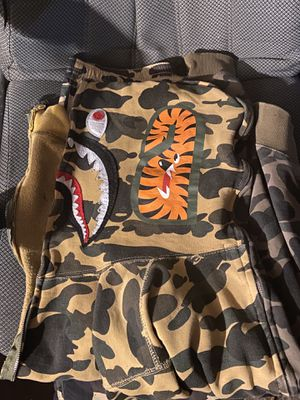 Bape shark hoodie first yellow/green canoe eh for Sale in Los Angeles, CA