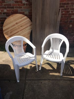 2 plastic chairs for Sale in Philadelphia, PA