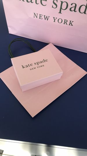 Kate spade gift Box set box size 5.5x4.5x2 perfect for small wallet and jewelry for Sale in Carlsbad, CA
