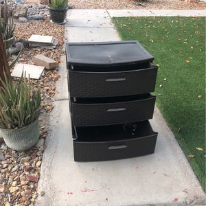 Little 3 Drawers Organized for Sale in Henderson, NV