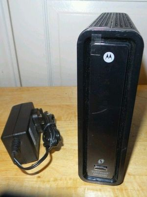 MOTOROLA SURFboard SBG6580 DOCSIS 3.0 Cable Modem/ Wi-Fi N300 2.4Ghz + N300 5GHz Dual Band Router for Sale in Phoenix, AZ