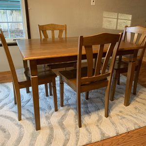 Kitchen Table & 4 Chairs for Sale in Yelm, WA