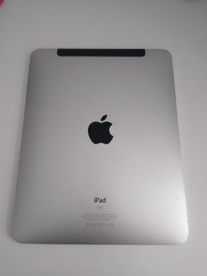 iPad 1st generation 64 giga (model A 1337). Need a new battery or for parts!! for Sale in Jamaica, NY