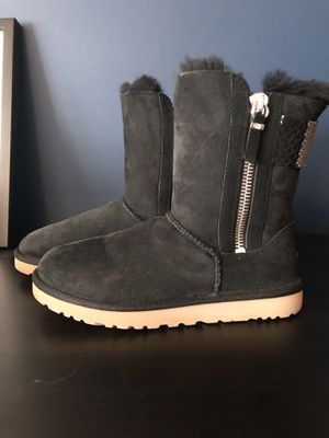 UGG Aztek boot size 7 for Sale in Portland, OR