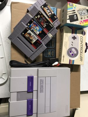 Super Nintendo and 4 games for Sale in Coral Gables, FL