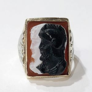 10K Yellow Gold Woman's Cameo Ring Size: 7 **Great Buy** 10011906-8 for Sale in Tampa, FL