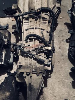 Ford E-40d Automatic Transmission From 89-98 for Sale in Roy,  WA