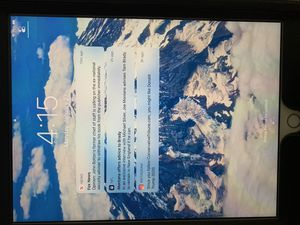 Apple iPad 32GB 5th Gen Silver for Sale in San Antonio, TX