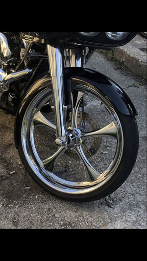 23 inch Big wheels and Tires, front fender for Harley Davidson Road Glide and other touring models. for Sale in Chicago, IL