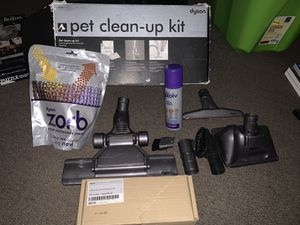 Dyson clean up for Sale in Tolleson, AZ
