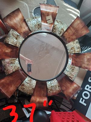Metal unique mirror round for Sale in Brentwood, TN