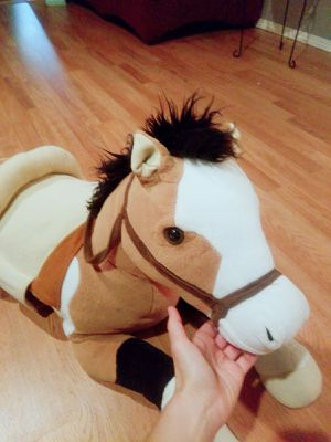 Huge Giant Stuffed Animal Horse for Sale in Vancouver, WA