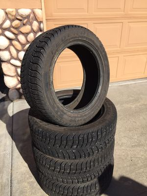 205/55R16 federal Himalaya studded winter tires from Les Schwab! Less than 300 miles on them with les schwab warranty paperwork! for Sale in Bend, OR