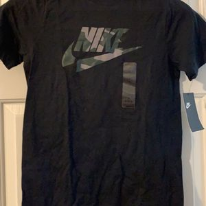 Nike Boys Shirt for Sale in Raleigh, NC