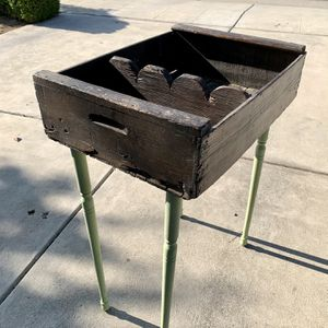 Vintage Crate/ Crate Garden Table With Removable Divider for Sale in Clovis, CA