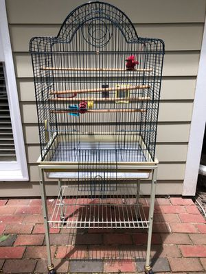 Bird Cage (PENDING) for Sale in Raleigh, NC