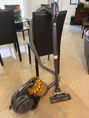 Dyson DC39 vacumm cleaner for Sale in Miami, FL