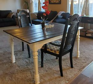Farmhouse dining kitchen table with chairs for Sale in Modesto, CA